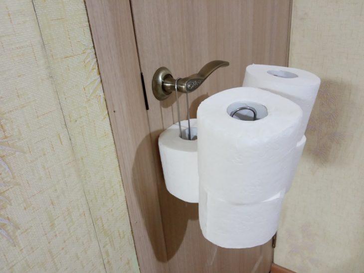 хранение туалетной бумаги на весу