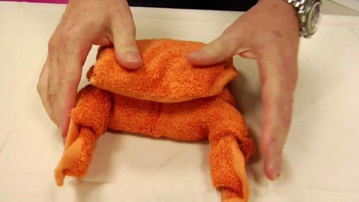 полотенце в виде краба
