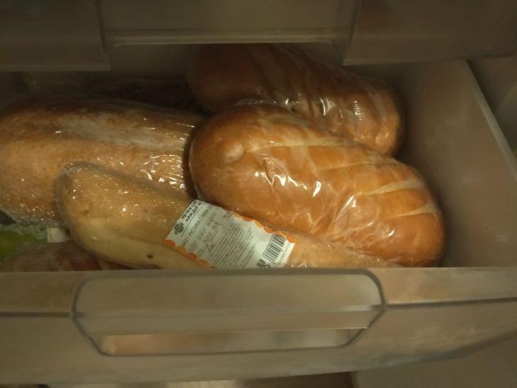 батоны и черный хлеб можно заморозить