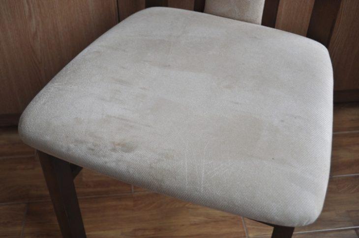 грязная обивка стула