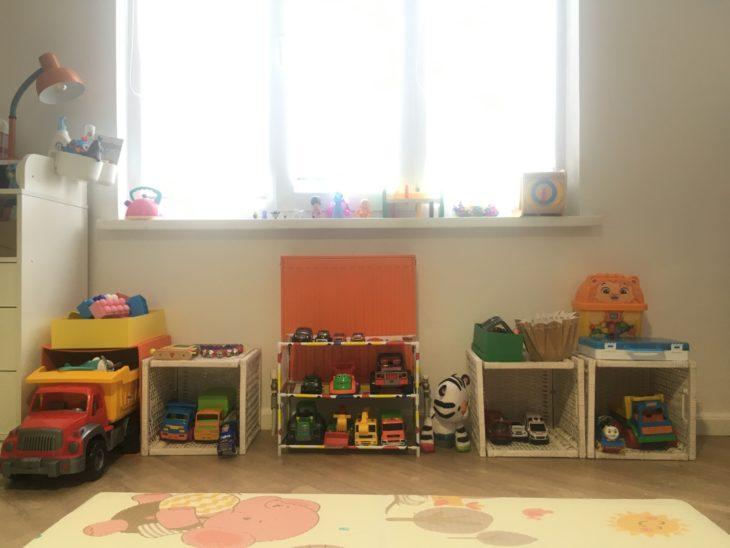 складываем маленькие игрушки в большие