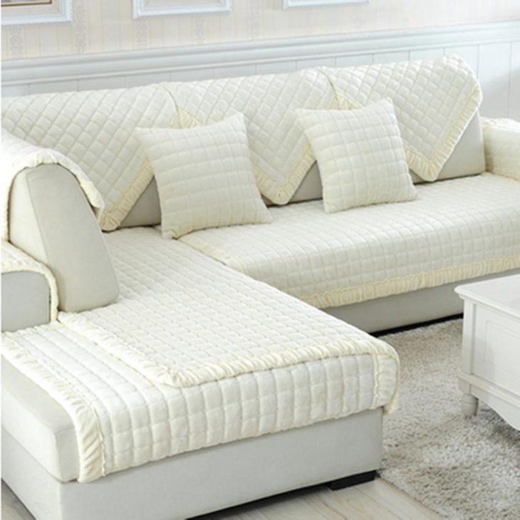 чехлы на белом диване