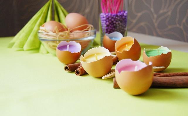 подсвечники из яиц