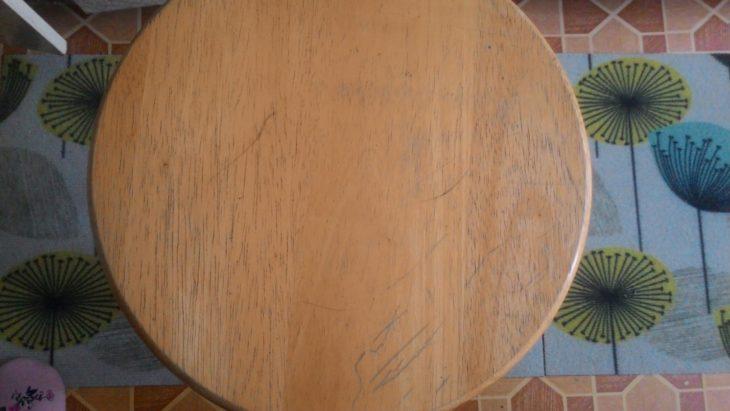 старое сиденье табурета