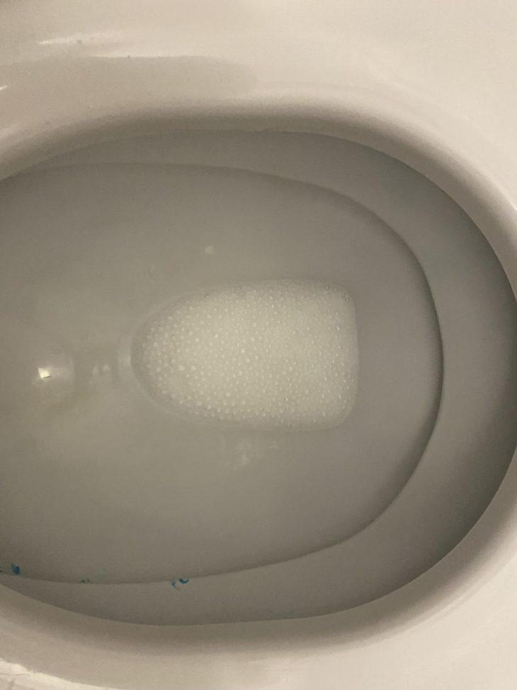 чистим уксусом унитаз