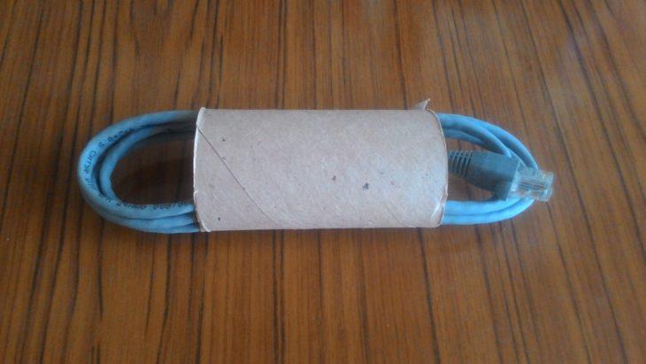 провода храню во втулке от туалетной бумаге