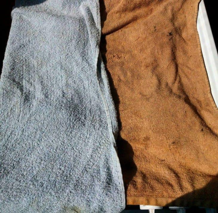 расстилаем полотенца на плиту