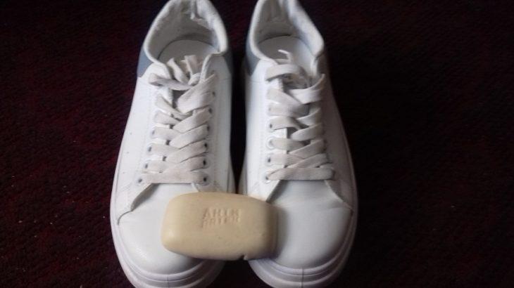 отбеливатель и мыло для кроссовок