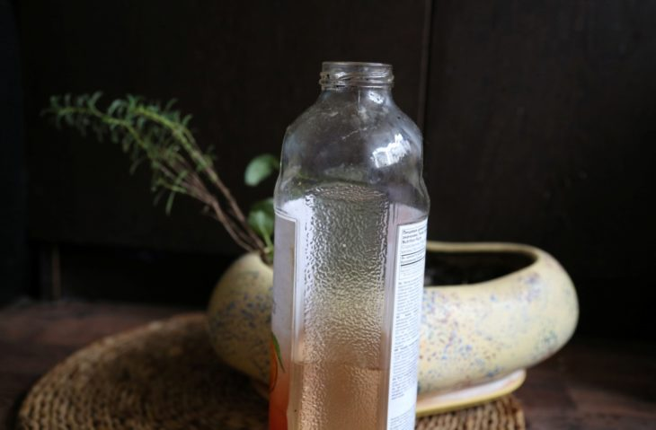 полив бутылкой